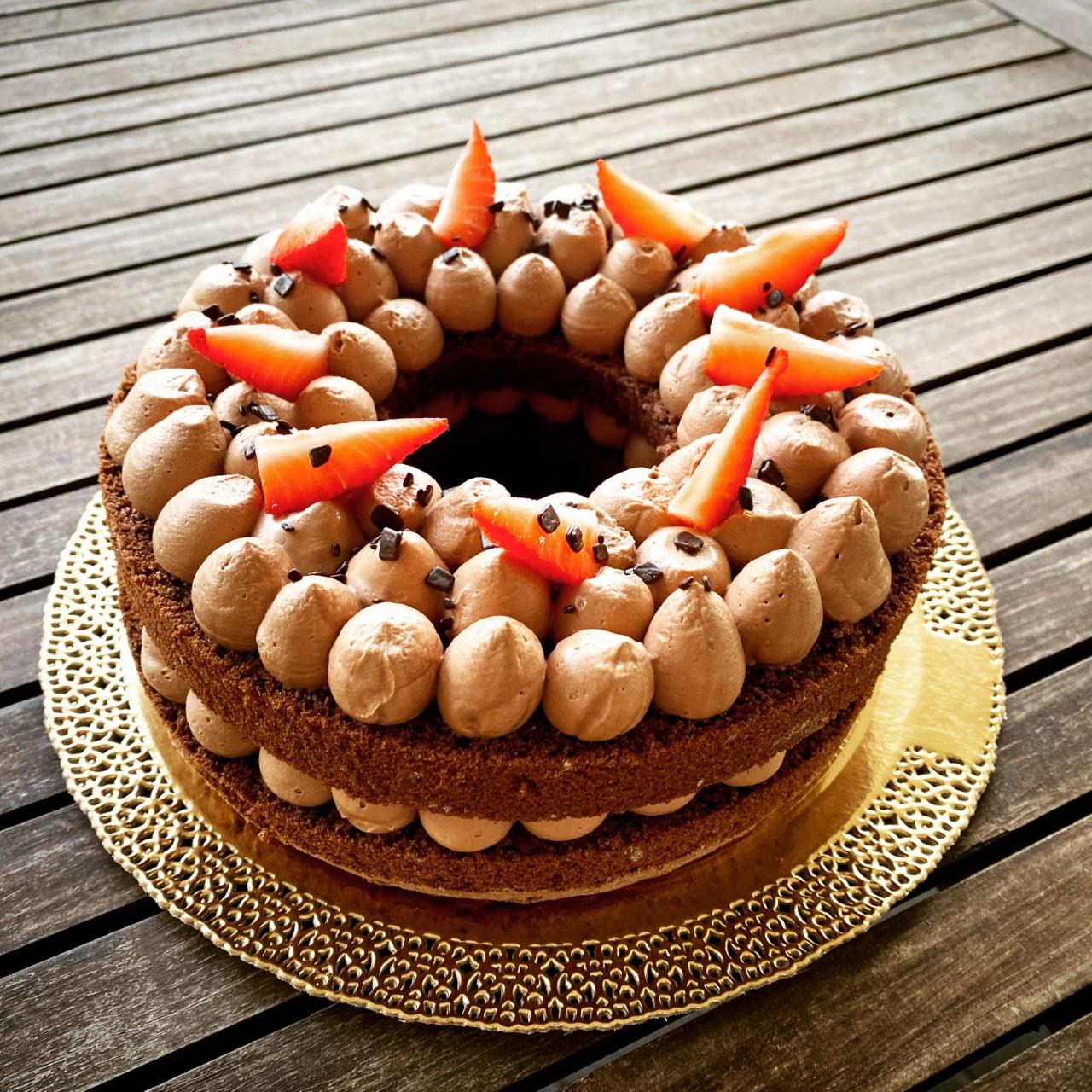 Cream Tart con Pan di Spagna Cioccolato e fragole