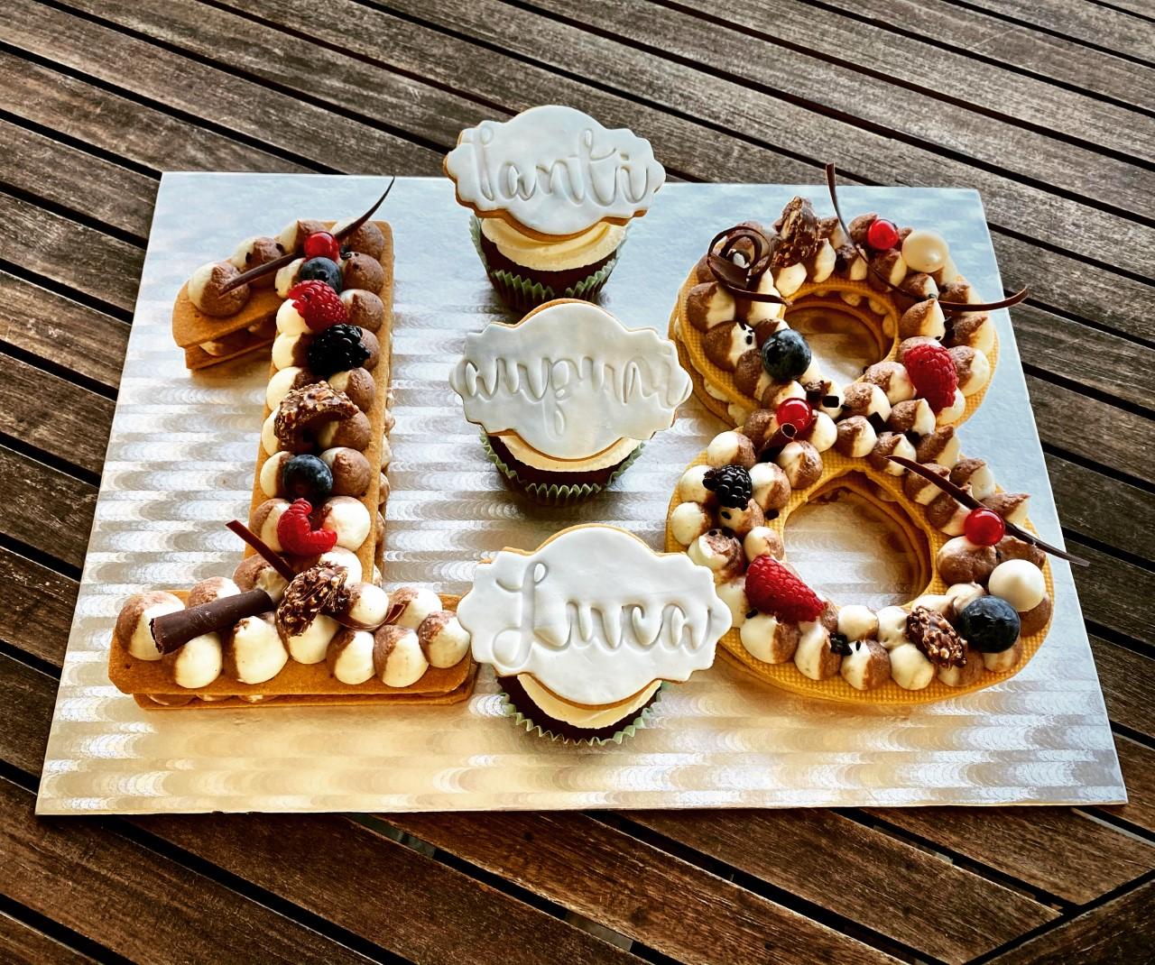 Cream Tart 18 anni compleanno