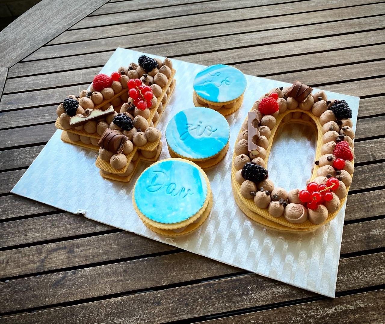 Cream tart 40 anni compleanno