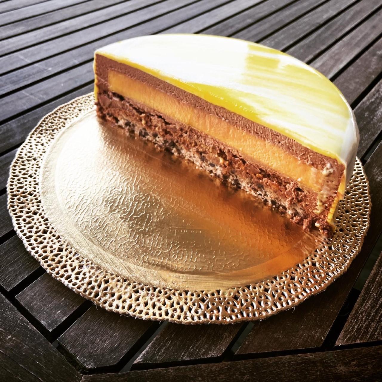 Torte moderne - passion fruit gianduia e pralinato