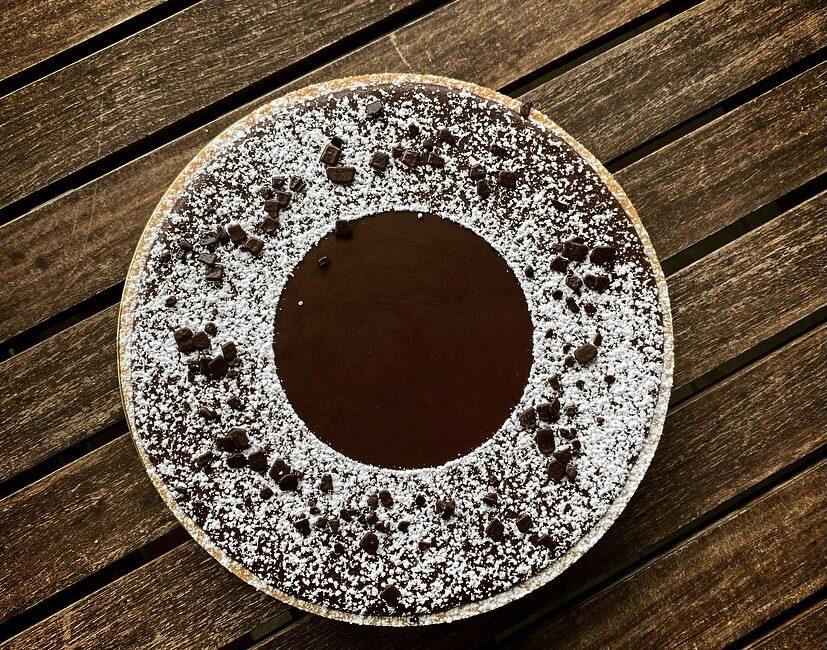 Torta Moderna Caramello Mou salato e ganache al cioccolato