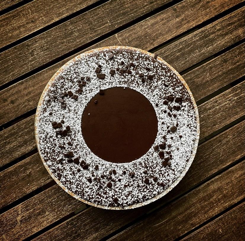 Ricette - Torta Moderna Caramello Mou salato e ganache al cioccolato